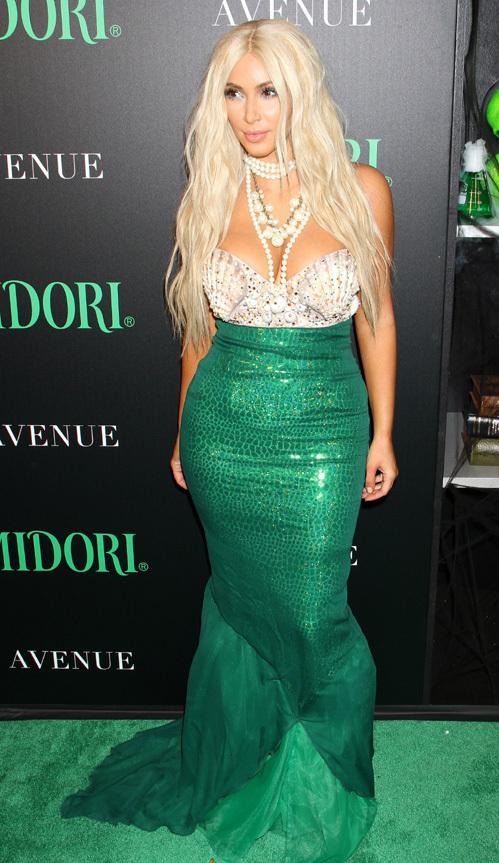 платья изумрудного цвета фото: